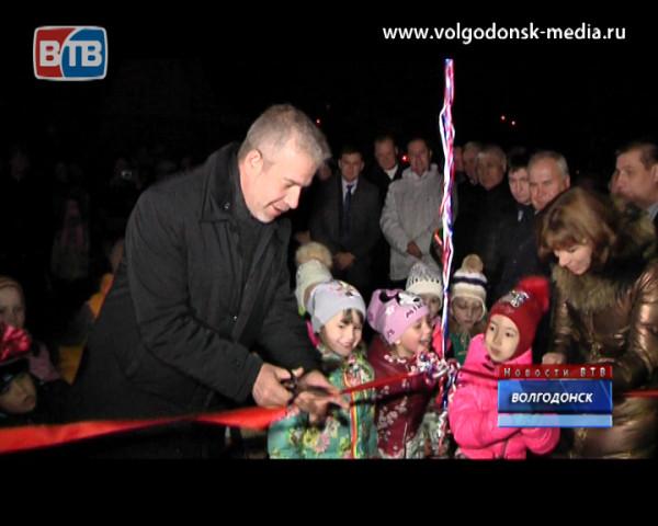 Единственный сквер в новой части Волгодонска подключили к освещению