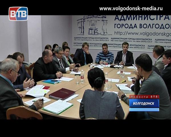 Волгодонские депутаты шокированы качеством капитальных ремонтов дорог, на которые городу область выделила 60 миллионов