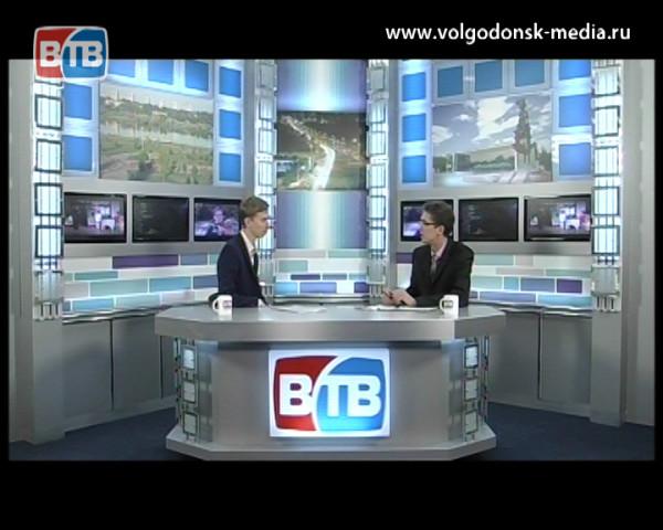 Начальник отдела по молодежной политике Олег Шемитов о волонтерах. Гость студии ВТВ