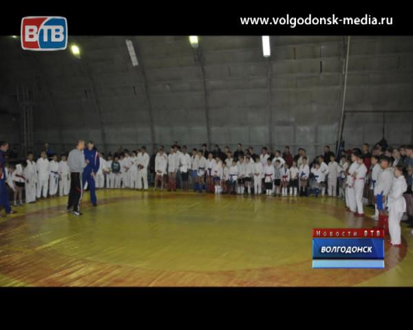 Воспитанники Низами Тагиева вернулись с областных соревнований с победами