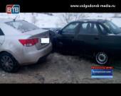 На трассе «Морозовск-Цимлянск-Волгодонск» столкнулись иномарка и ВАЗ
