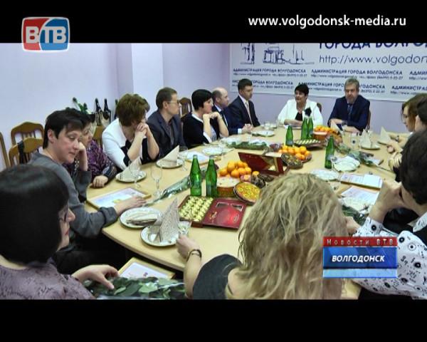 Волгодонских журналистов поздравили с днем российской печати