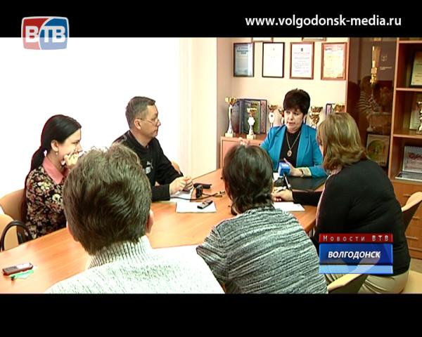 Не сдать завоеванных позиций. Начальник Управления образования Елена Тимохина пообщалась с журналистами