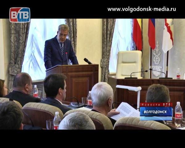 Глава Администрации Андрей Иванов отчитался перед депутатами