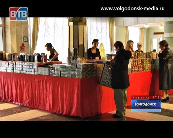 Выставка «Индийский базар» продолжает работать в ДК «Октябрь»