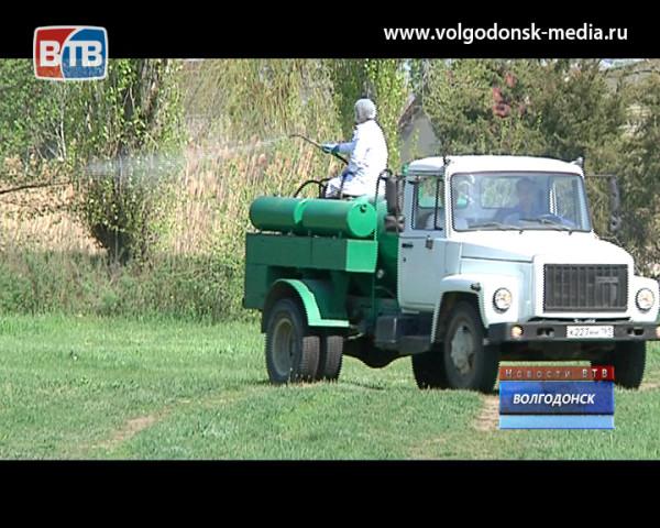 В Волгодонске продолжается противоклещевая обработка