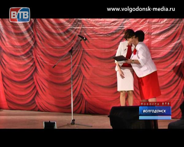 Волгодонские чиновники и депутаты отпраздновали День местного самоуправления