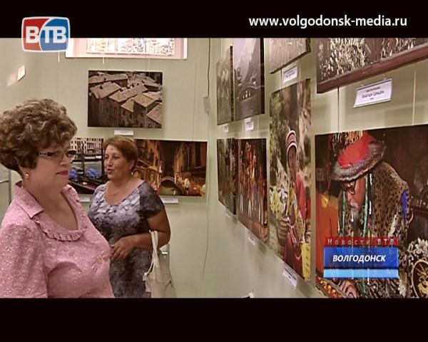 В волгодонском художественном музее открылась выставка Сергея Гридина