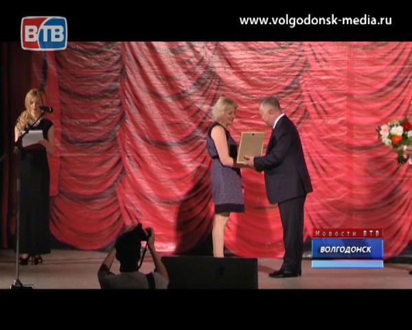 Волгодонские врачи и медсестры отметили профессиональный праздник