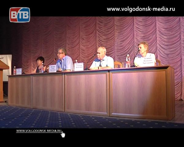 Андрей Иванов провел информационную встречу, где ответил на вопросы горожан