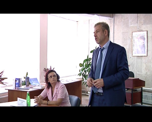 Члены Региональной организации «Волга-Дон», в преддверии годовщины со дня теракта в Волгодонске, задали свои вопросы главе Администрации