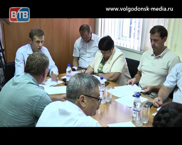 Светлый город. Депутаты обсудили программу внутриквартального освещения на ближайшие три года