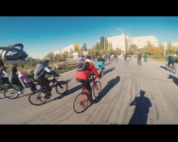 Я буду долго гнать велосипед… Волгодонск отметил «День без автомобиля» традиционным велопробегом
