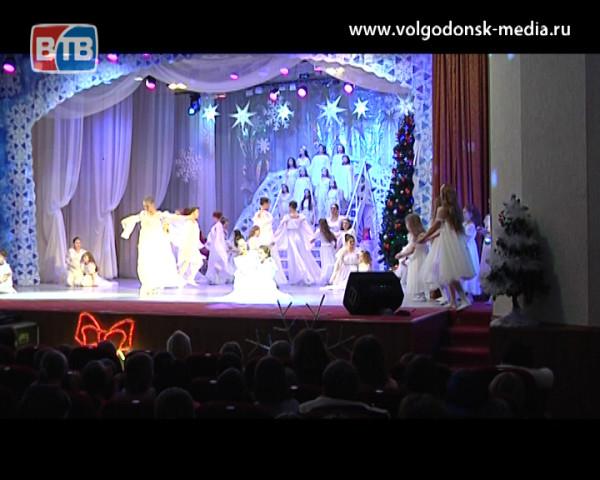В ДК «Октябрь» прошли Рождественские встречи