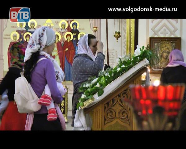 Православные почтили образ Пресвятой Богородицы «Млекопитательница»