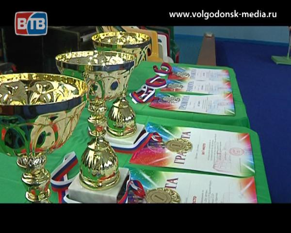 Волгодонские акробаты взяли золото и серебро на Всероссийских соревнованиях