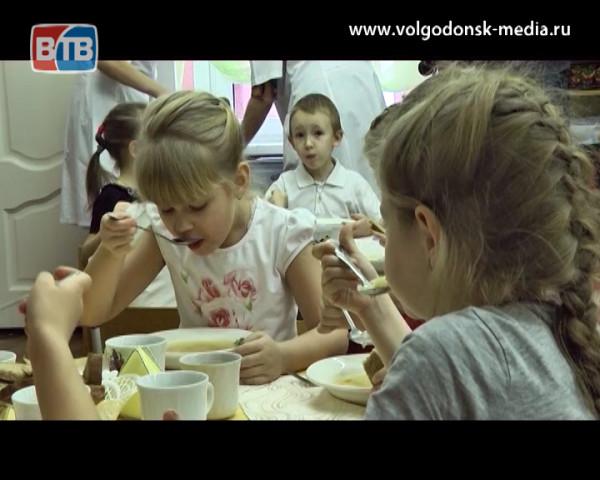 Депутат Госдумы от Ростовской области Антон Гетта не видит нарушений в организации закупок школьного питания в Волгодонске