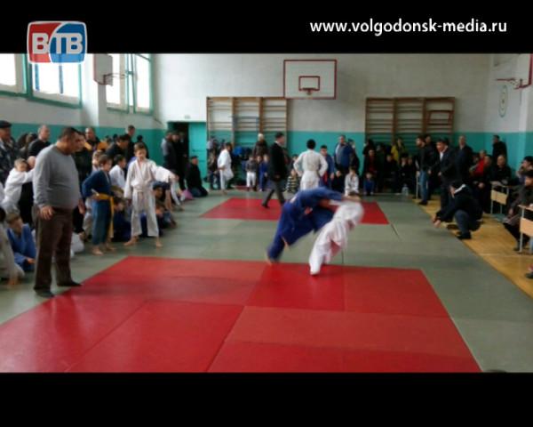 Волгодонские спортсмены вернулись с медалями из Республики Калмыкия