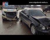 Запись с видеорегистратора аварии, в которой пострадала съемочная группа телеканала «ТНТ-Волгодонск»
