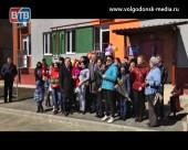 Глава Администрации Виктор Мельников вручил ключи от квартир детям-сиротам и проинспектировал ход строительства детского сада в Красном Яру
