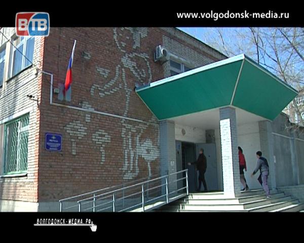 В преддверии профессионального праздника работников следственных органов МВД России знакомим горожан с их сотрудниками