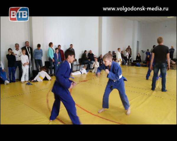 Волгодонские дзюдоисты завоевали три медали на соревнованиях в Ростове-на-Дону