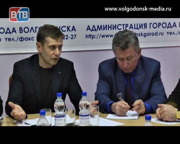 Депутатскую комиссию по ЖКХ посетил глава администрации Виктор Мельников