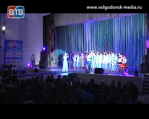 В Волгодонске прошел двенадцатый международный фестиваль детского творчества «Южный ветер»