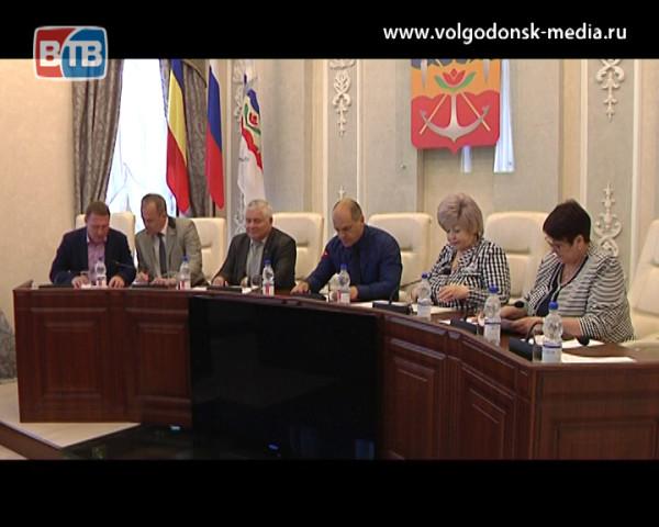 Волгодонские школьники пополнили ряды юнармейцев