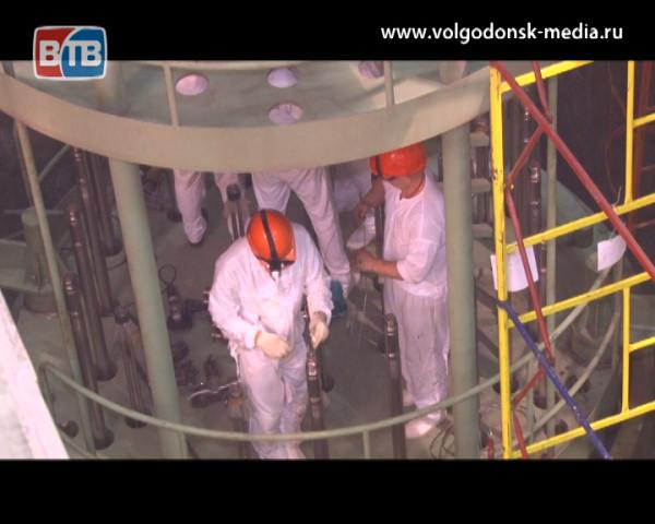 На пусковом энергоблоке №4 Ростовской АЭС началась загрузка имитаторов тепловыделяющих сборок в реактор