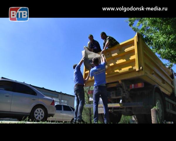 Активисты привели в порядок заброшенные могилы на старом кладбище