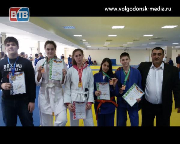 Волгодонские дзюдоисты привезли пять медалей с XIII Спортивных юношеских игр Дона