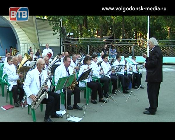 Каждое воскресенье в Волгодонске можно послушать живую музыку абсолютно бесплатно