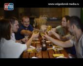 Соперники проекта «Свадьба в подарок» встретились за греческим столом