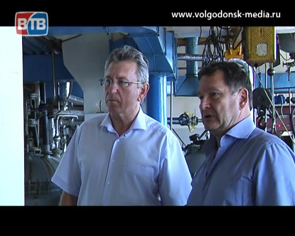Глава администрации Виктор Мельников впервые посетил научно-производственное объединение «НИИПАВ»