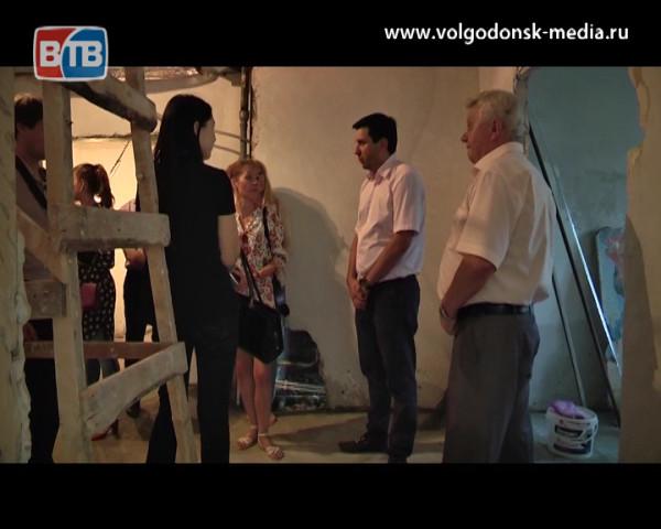 До конца осени в Волгодонске появится сосудистый центр и завершится ремонт в терапевтическом отделении первой больницы