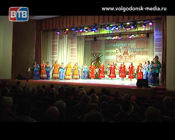 Казачьему роду нет переводу. В ДК «Октябрь» состоялся концерт в честь праздника Покрова Пресвятой Богородицы