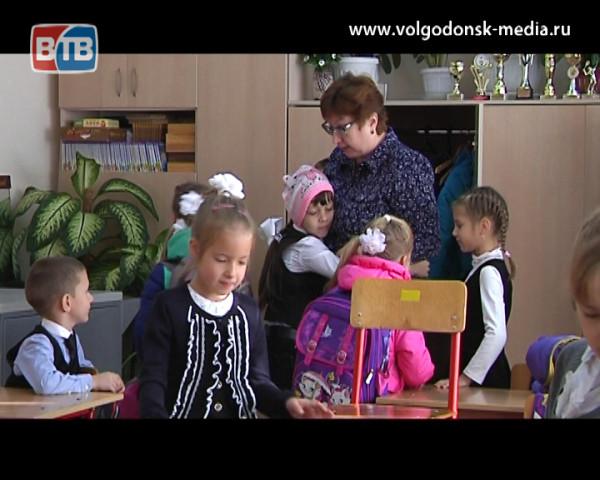 К Дню учителя. Знакомим зрителей с заслуженными педагогами Волгодонска