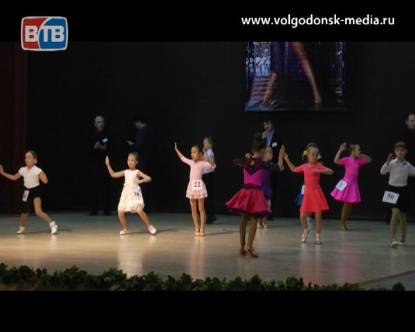 В одиннадцатый раз в Волгодонске прошел турнир по спортивным бальным танцам «Наши надежды»