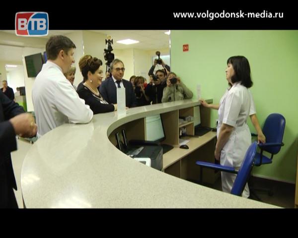 В Волгодонске заработал проект «Бережливая поликлиника» и появились пять новых «скорых»