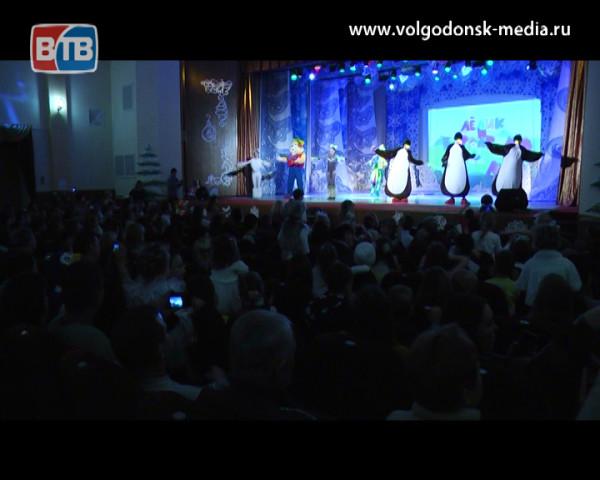 Депутаты третьего и четвертого микрорайонов отметили Новый год с жителями своих округов