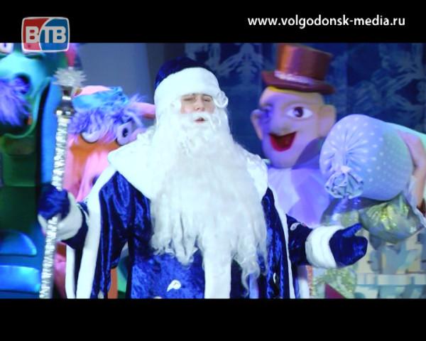 В Волгодонске состоялись две елки главы Администрации для одаренных детей
