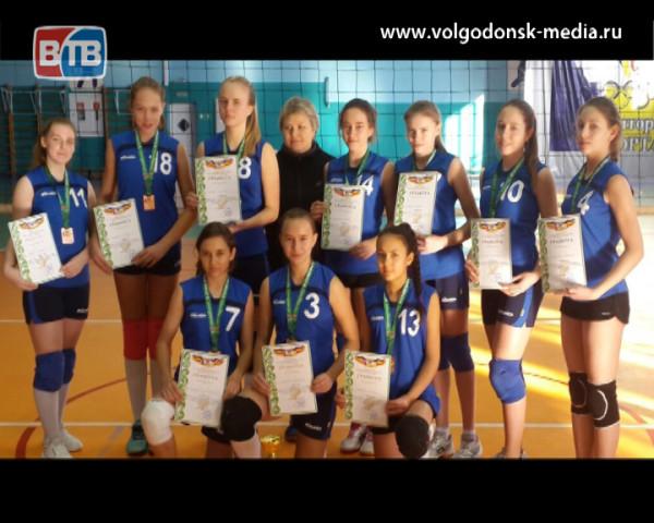 Школьные волейбольные сборные из Волгодонска вошли в тройку призеров областного чемпионата «Серебряный мяч»