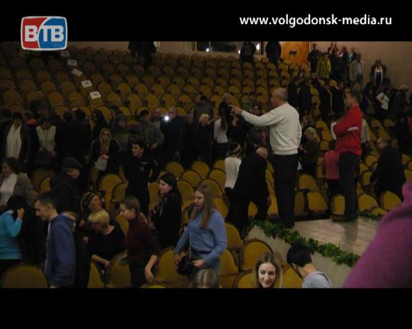 Ругань вместо продуктивного диалога. В Волгодонске состоялись общественные слушания по строительству «Мармелада»