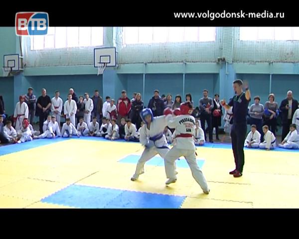 В Волгодонске прошли первые в этом году отборочные соревнования по рукопашному бою