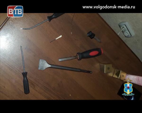 Полицейские Волгодонска задержали подозреваемого в серии краж из салонов красоты