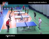 В спорткомплексе «Олимп» состоялся городской чемпионат по настольному теннису для пожилых и активных