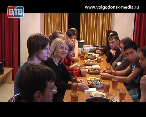 Православная молодежь Волгодонска провела первое заседание на тему милосердия