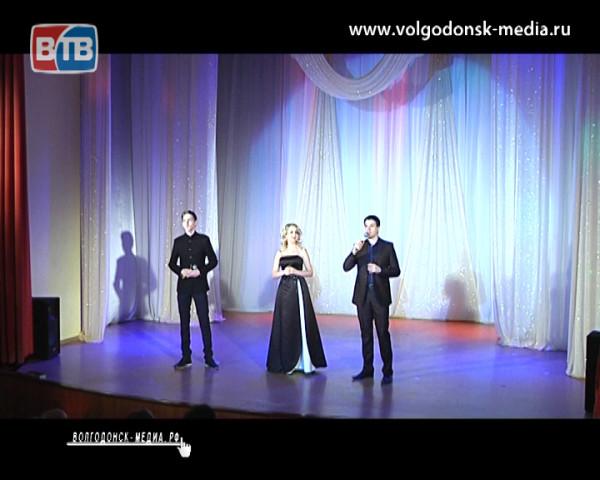 В честь людей творчества. Работников культуры Волгодонска поздравили с профессиональным праздником в Детской театральной школе