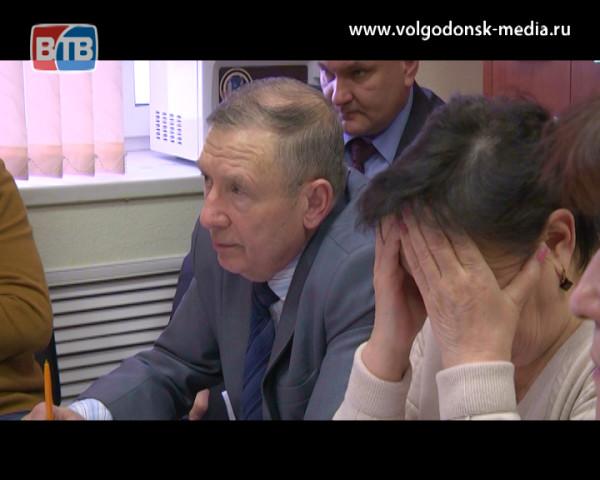 В Волгодонске в скором времени, возможно, отремонтируют дороги и построят «приют» для бездомных животных